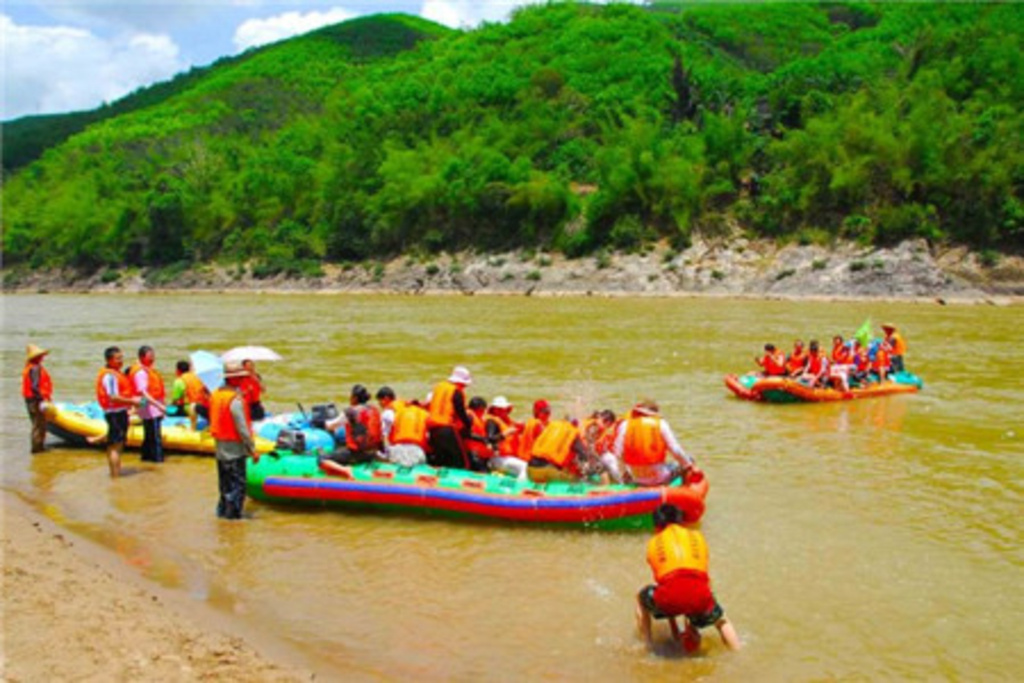 Xishuangbanna Daluo River and rafting tour